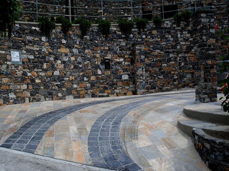 Pavimenti per esterni in pietra naturale ardesia e quarzite